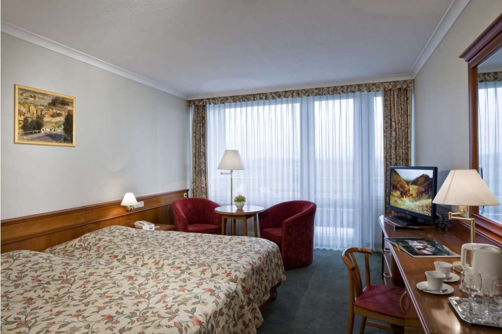 Danubius Hévíz guestroom